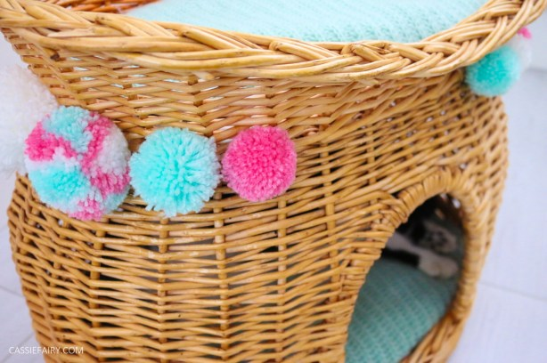 cat-pet-bed-basket-makeover-knitted-pillow-pompoms-sewing-project-tutorial-5